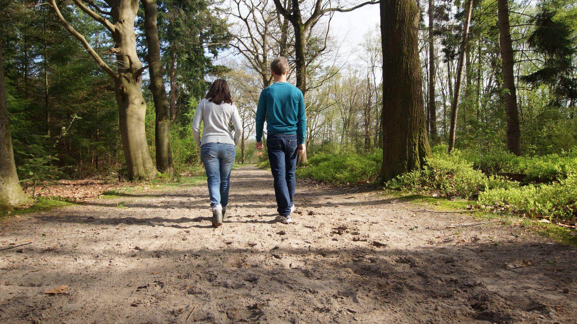 Minder piekeren en minder stress door wandelcoaching